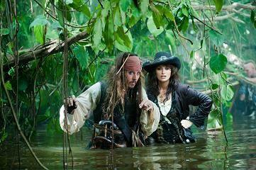 Piráti z Karibiku : Na vlnách podivna